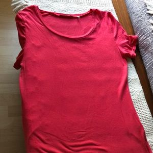 New without tag Tahari t-shirt
